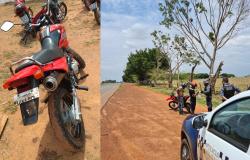 Polícia Militar de Denise recupera moto furtada motocicleta no pátio do Detran de Tangará. Condutor foi detido
