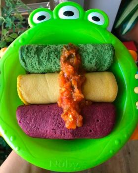 Panquecas nutritivas e coloridas para a criançada