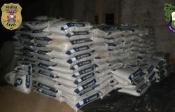 Polícias Civil e Militar esclarecem falso roubo e recuperam 50 toneladas de fertilizantes