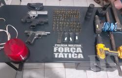 Policiais suspeitos de planejarem roubo a banco são presos com armas e ferramentas em Campo Novo