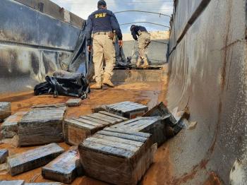 BR 364 EM SAPEZAL - Motorista é preso em MT com 435 kg de cocaína que seriam levados até SP