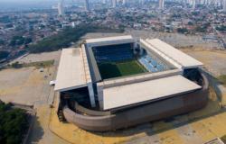 Chuteiras de ouro nos gramados do Cerrado: veja quais astros do futebol estarão em Cuiabá