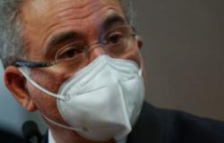 Vacina da Janssen chega ao Brasil e Queiroga prevê fim de caráter pandêmico em setembro