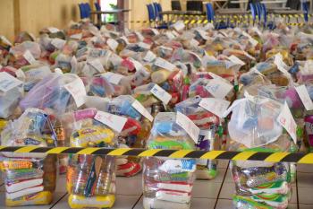 Famílias de Nova Olímpia são beneficiadas com kits de alimentos