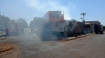Distribuidora de bebidas pega fogo em Tangará da Serra