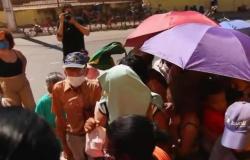 Governador diz que fila por busca de ossinhos envergonha Cuiabá