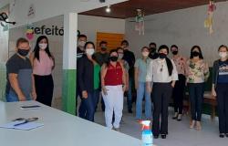 CONSELHO MUNICIPAL DE EDUCAÇÃO EMPOSSA NOVOS CONSELHEIROS E SUPLENTES