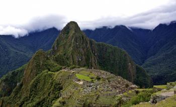 Panorâmica da cidadela inca de Machu Picchu, no Peru.CORBIS