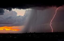 Mudança de clima: MT registra 600 mil raios em três dias