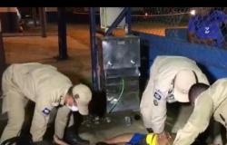 Mulher recebe descarga elétrica tomando água em bebedouro de escola em MT