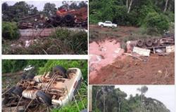 Motorista morrepreso às ferragens após tombar carreta em rodovia em Campo Novo do Parecis