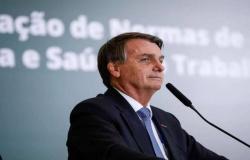 Bolsonaro rebate Xuxa: 'Se você a apoia, peço que nos siga'