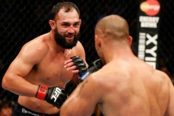 Johny Hendricks vence Robbie Lawler e é o novo campeão meio-médio do UFC