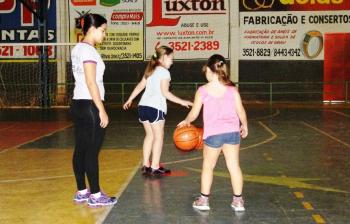 DE OLHO NO FUTURO: Buscando fortalecer a base, escolas de esportes recebem novos atletas