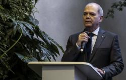 Covid-19: COB corta R$ 43 mi das despesas de 2020, incluindo projetos