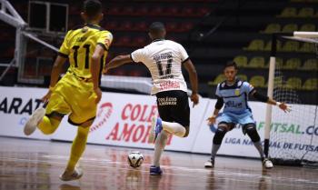 Corinthians e Cascavel vencem na Liga Nacional de Futsal