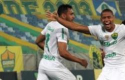 EMBALADO - Cuiabá vence Oeste e lidera a Série B