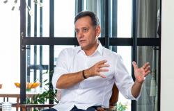 Leitão defende redução do número de parlamentares e economia de R$ 5 bilhões em 4 anos