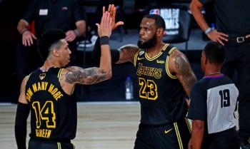Lakers usarão camisa criada por Kobe Bryant em partida decisiva da NBA