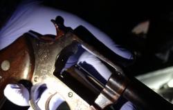 Policiais matam dois suspeitos de tráfico em MT e são atacados com pedras