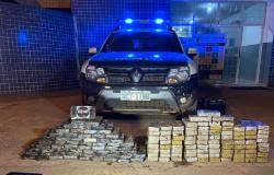 Polícia Civil apreende 149 tabletes de entorpecentes que eram transportados em fundo falso de caminhão