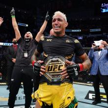 UFC 262: Charles do Bronx é campeão peso-leve do UFC com nocaute arrasador; veja resultados