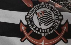 Time de futsal do Corinthians é impedido de voltar ao País após casos de covid-19