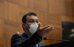 Com surto de covid-19 na sede da SES, Lúdio Cabral convoca secretário de Saúde e Sisma