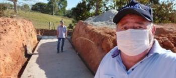 Vereador Tuti e prefeito Chico Gamba vistoriam obras no interior