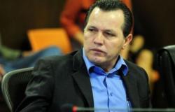 Ex-governador vai ao regime aberto e se livra de tornozeleira em MT