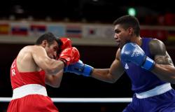 Abner Teixeira vence e garante primeira medalha do boxe em Tóquio