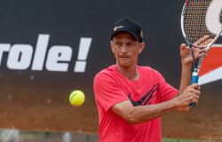 ESTADUAL - Duelo entre professores de tênis marca finais da Copa Gotardo Pneus Open de Tênis