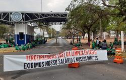 Trabalhadores da Presto fecham UFMT e cobram salários atrasados - 19.08.19