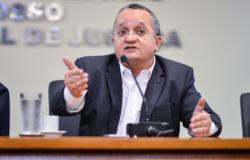 Taques revoga decreto 380 que alterava cobrança do ICMS