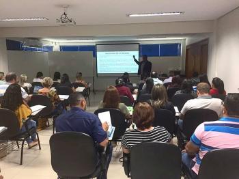 Curso sobre legislação e tributação reúne mais de 40 contadores em Cuiabá