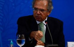A empresários, Guedes fala em novo regime para evitar desemprego em massa pós-pandemia