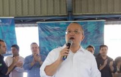 Governador anuncia assinatura de edital para concurso da Educação