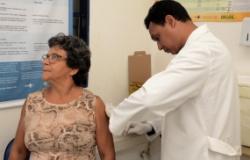 Mais de 66 mil pessoas dos grupos de risco já foram vacinadas contra H1N1 em Cuiabá