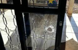 Base da PM em Cuiabá é atacada por criminosos durante a madrugada