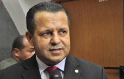 Valtenir chama impeachment de passado e foca na prefeitura
