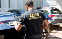 Gaeco cumpre 10 ordens contra membros de facções criminosas e ex-policiais