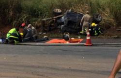 Homem e criança pequena morrem em acidente na BR-364