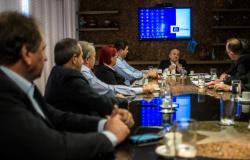 Governo e Sicredi discutem demandas para ampliar atendimento ao público