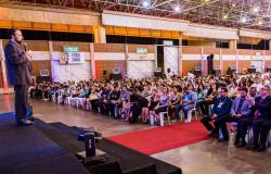 Palestra Cantada contagia público no encerramento da XX Conferência Estadual da Advocacia e XX Semana Jurídica