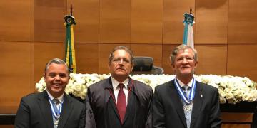 """Juízes de MT recebem comenda de """"Mérito Judiciário"""" no Rio de Janeiro"""