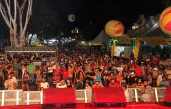 Orla do Porto recebe mais de 10 mil pessoas no primeiro dia da festa de réveillon