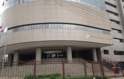 TRF4 libera servidores do trabalho e suspende prazos processuais no dia de julgamento do recurso de Lula