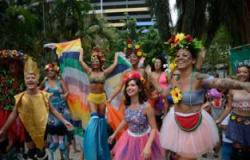 Folia carnavalesca tem tolerância e proibição em algumas religiões