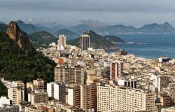 Bombeiros encontram sete corpos na praia da Urca, no Rio de Janeiro