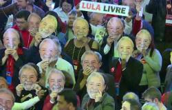 Defesa de Lula desiste de recurso com o qual tentava suspender prisão; decisão evita discussão sobre candidatura